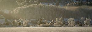 L'Abbaye vu du Lac de Joux gelé